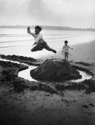 Lartigue. Gérard Willemetz e Dany ,Royan, 1926 (detalle)